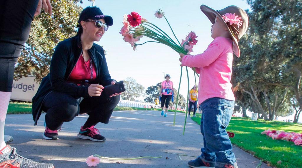 Dramm & Echter donates 10,000 Gerbera stems to Susan G. Komen 3-Day Walkers